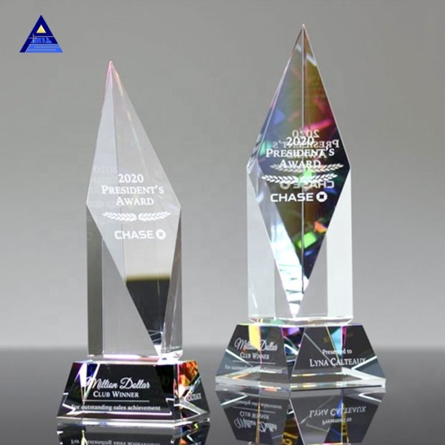 China Cheap K9 Quality Crystal Trophy Awards With Obelisk
