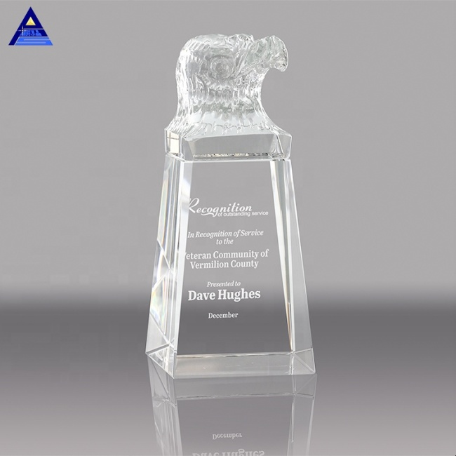 China Wholesale High Quality Beauty Clear Crystal Eagle Shape Award Trophy For Business Gift