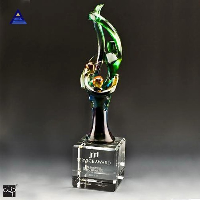 Newest customized blank glass iceberg crystal trophy and awards icepeak- -NO.1 Crystal Trophy Factory