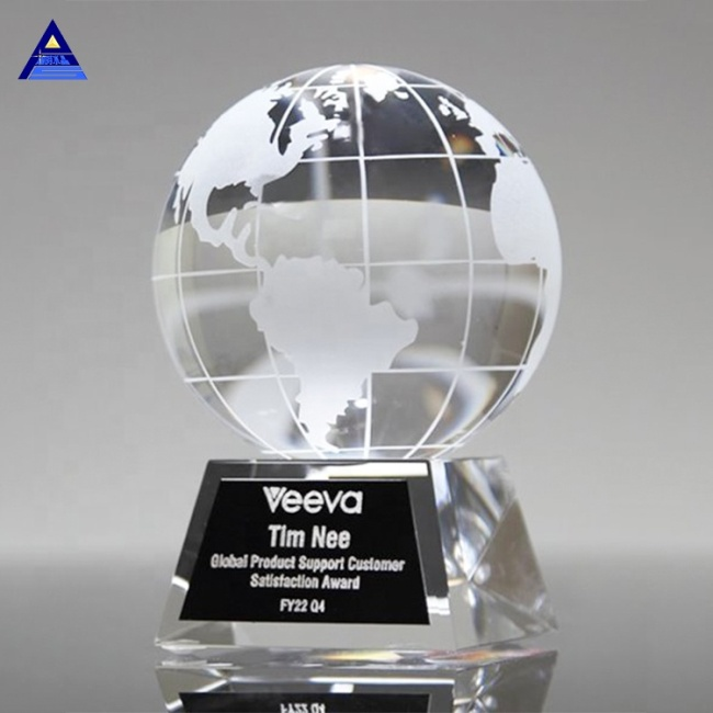 Beautifully Crafted Mini Crystal Globe For Favors Wedding Souvenirs Decoration Glass Earth Trophy