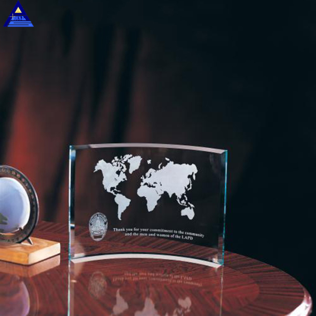 Wholesale Custom Design Newest Curve Glass Clear Crystal Award Plaque For Souvenir Gifts