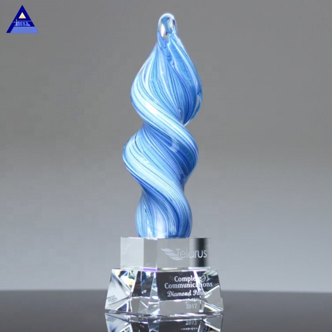 Personality Customblue Whirlwind Crystal Award Trophy For Souvenir Memorial Events