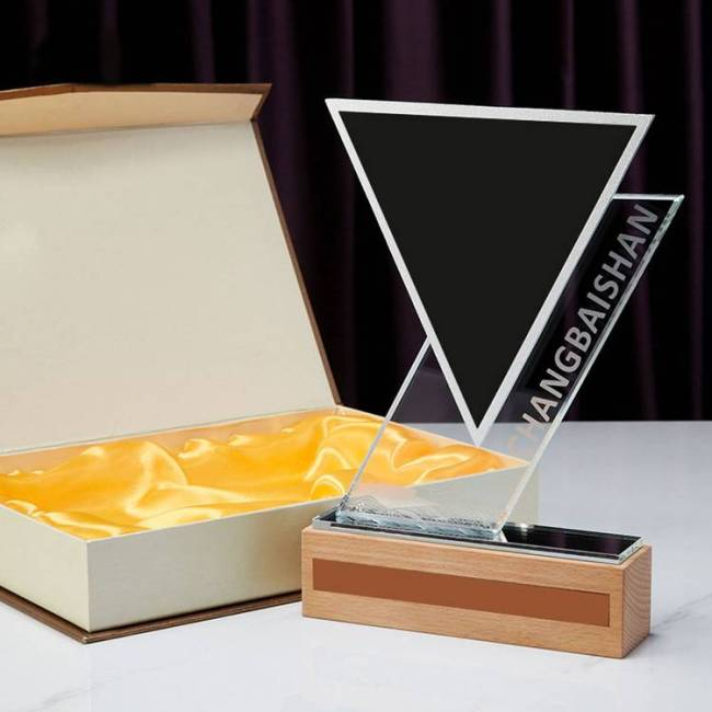 New Customized Business Wedding Gift Cutting Triangle Crystal Anniversary Trophy crystal glass plaque awards