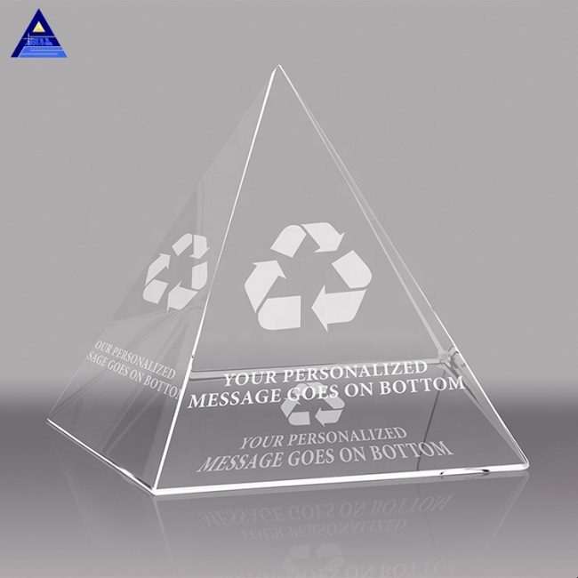 Factory Price Crystal Glass Pyramid Shaped Paperweight With Logo Engraved On The Bottom