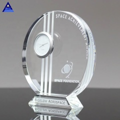 Wholesale Wedding Gifts Souvenirs Unique Design Personalized Clear Optic Crystal Table Clock For Home Decor