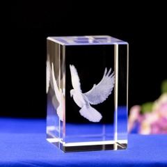 Newest and fashion 3d laser crystal gifts of peace birds item