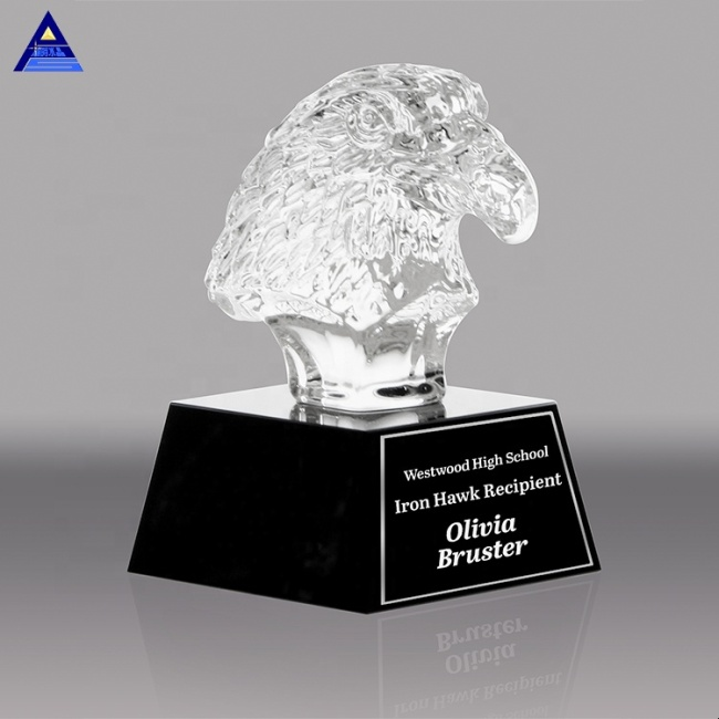 China Wholesale Hand-Carved High Quality Quartz Crystal Eagle Trophy Model With Black Base