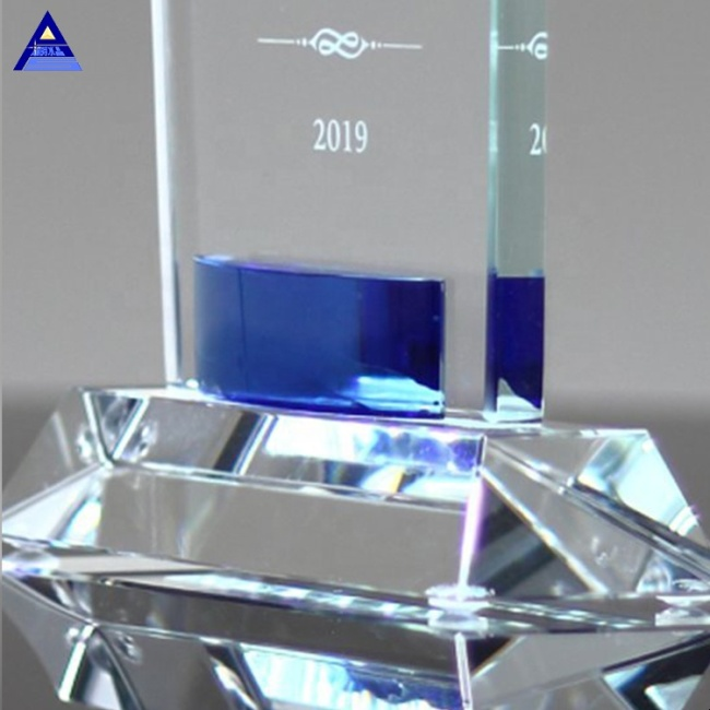 Wholesale Crystal Trophy Gift Clear Flame Cobalt Gem Wave Crystal Trophy With Base