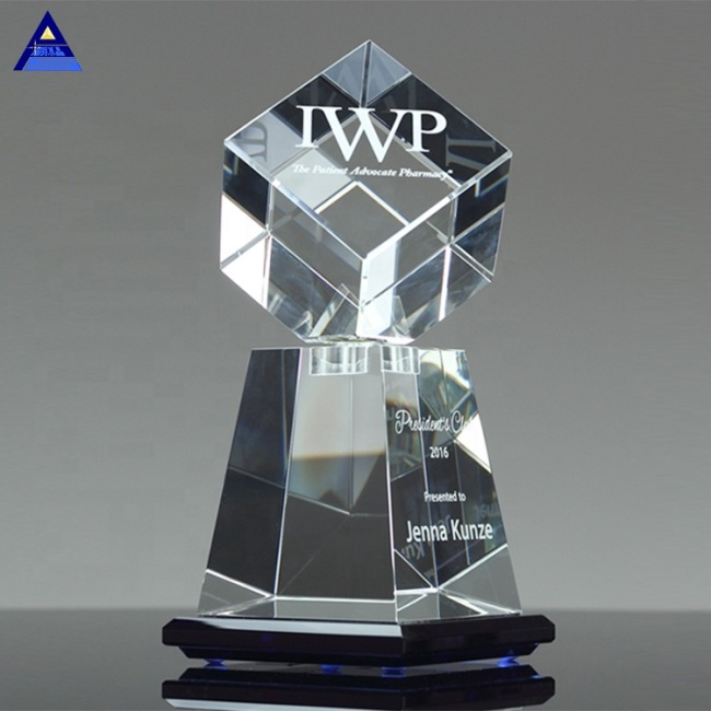 OEM Custom Made Clear Crystal Award In Motion Trophy For Honor