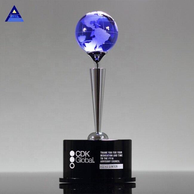 Wholesale Newest Custom Crystal Glass Award Trophy For World Globe events