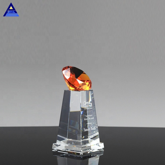OEM/ODM Optical Decorative Crystal Glass Diamond For Wedding Souvenirs