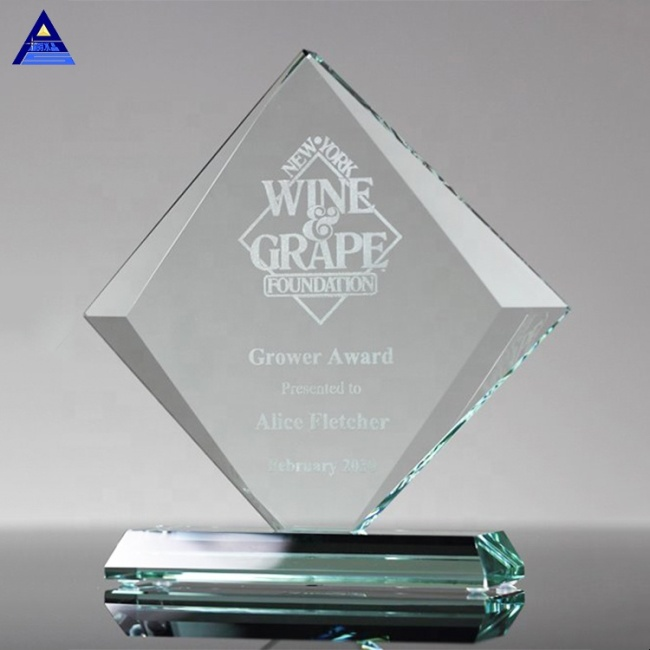 Pujiang Factory Custom Wholesale Beveled Gem Glass Award Trophy