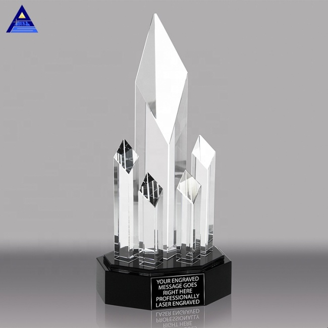 New Design Personalized Faceted Column Award Crystal Glass Trophy for Business Gift