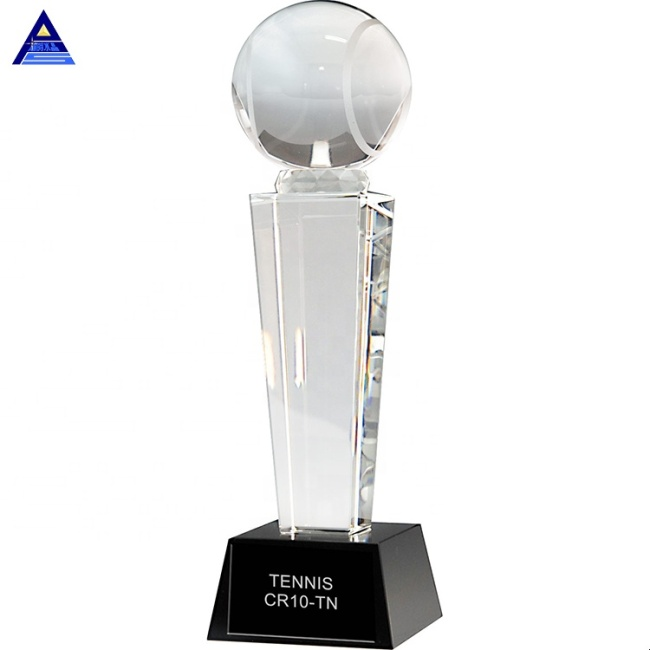 2020 Wholesale Crystal Sports Basketball Soccer Football Trophy Award For Souvenir
