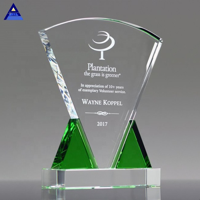 2020 New Style Custom Made Emerald Triad Crystal Plaque Award For Trophy