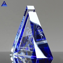 Hot Selling Souvenir Gift Glass Imagery Crysta Pyramid Model Trophy Employees Awards