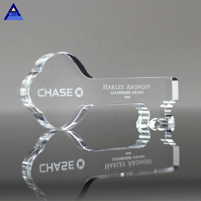 New Design Best Selling Cheaper Wholesale Key Shape Crystal Presentation Trophy