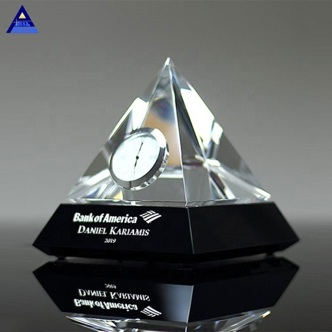 Classic Table Crystal Glass Pyramid Clock Triangle Crystal Desktop Clock For Souvenir Gifts