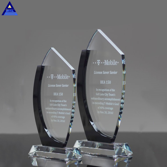 High Quality Created Cheap K9 Engrave Crystal Glass Trophy Award For Business Gift