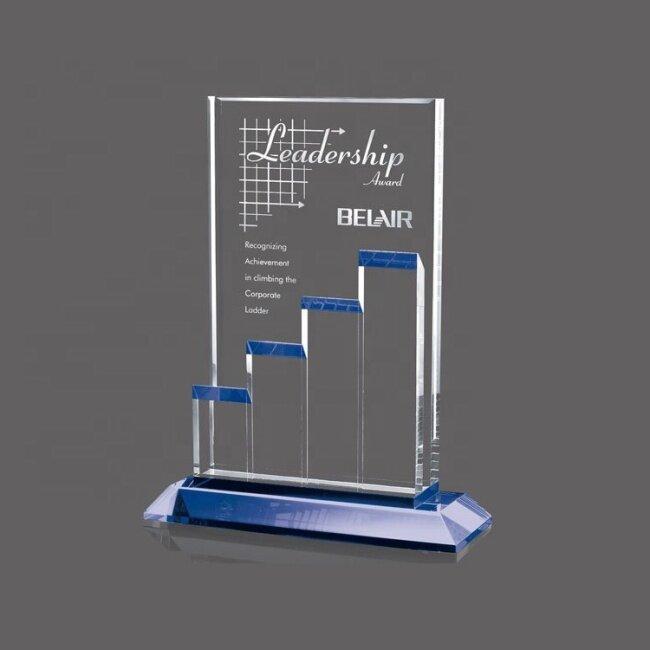 Customize Fashionable Souvenir Cheap Plaque Blank Award Crystal Glass Shield Shape Paperweight
