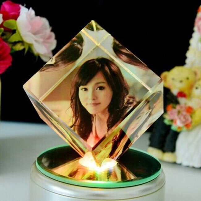 K9 Clear High Quality Crystal Photo Frame With Base Square Shaped Glass Rahmen Rotating Cube Photo Frame