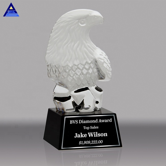 Hot Selling Cheap Glass Paperweight Trophy Crystal Eagle Figurine For Office Decoration & Gift Favors