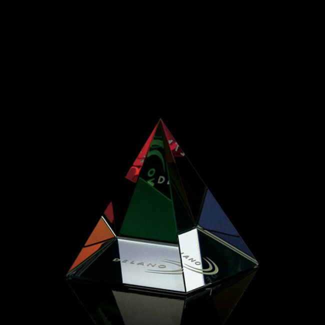 Promotional Mountain 3D Laser Engraved Crystal Triangle Trophy For Business Sales Awards