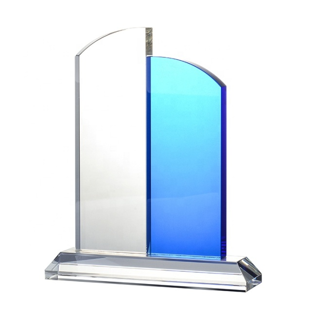 2020 Hot Selling Custom K9 Different Shape Crystal Trophy In Dubai With Logo