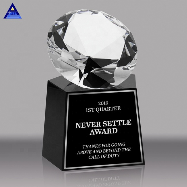 Pujiang Custom Engraved K9 Glass Crystal Crafts Diamond Award Trophy With Black Base