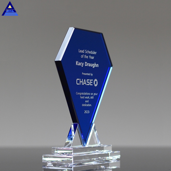 Factory Supply Customize Style 3D Laser Crystal Trophy Awards And Shield Shape Crystal Craft For Gifts