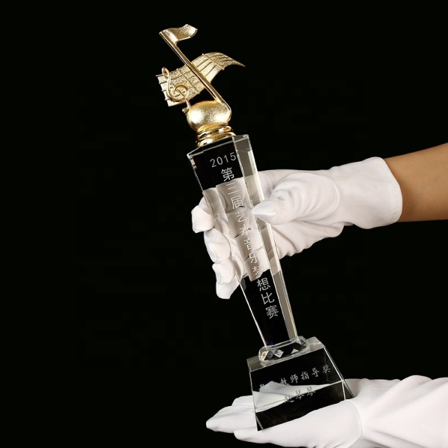 Customized Engraved Logo Sports Customized Champion Second Third Place Award Golf Crystal Trophy