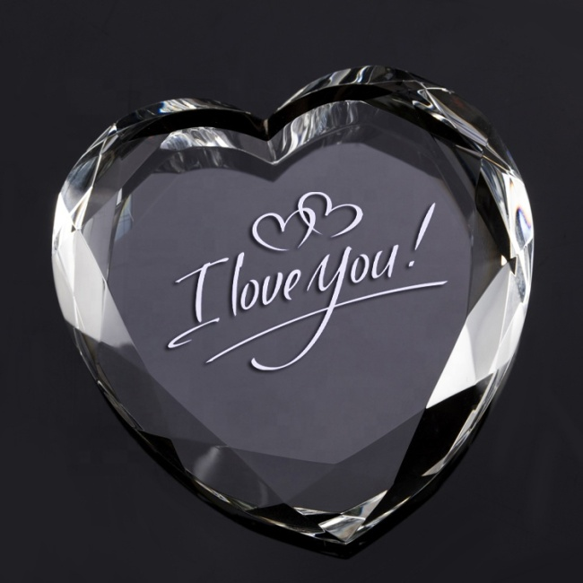 Wholesale Wedding Customized Engraved Crystal Heart Paperweight For Wedding Guests Gifts