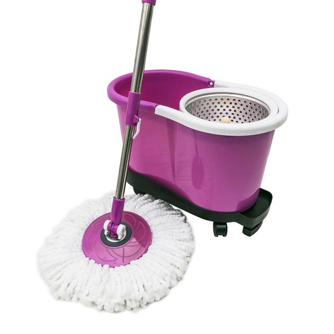 Hand press to wash and dry spin mop parts