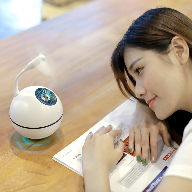 New space ball high capacity humidifier fan lamp three in one charging mobile power air purifier